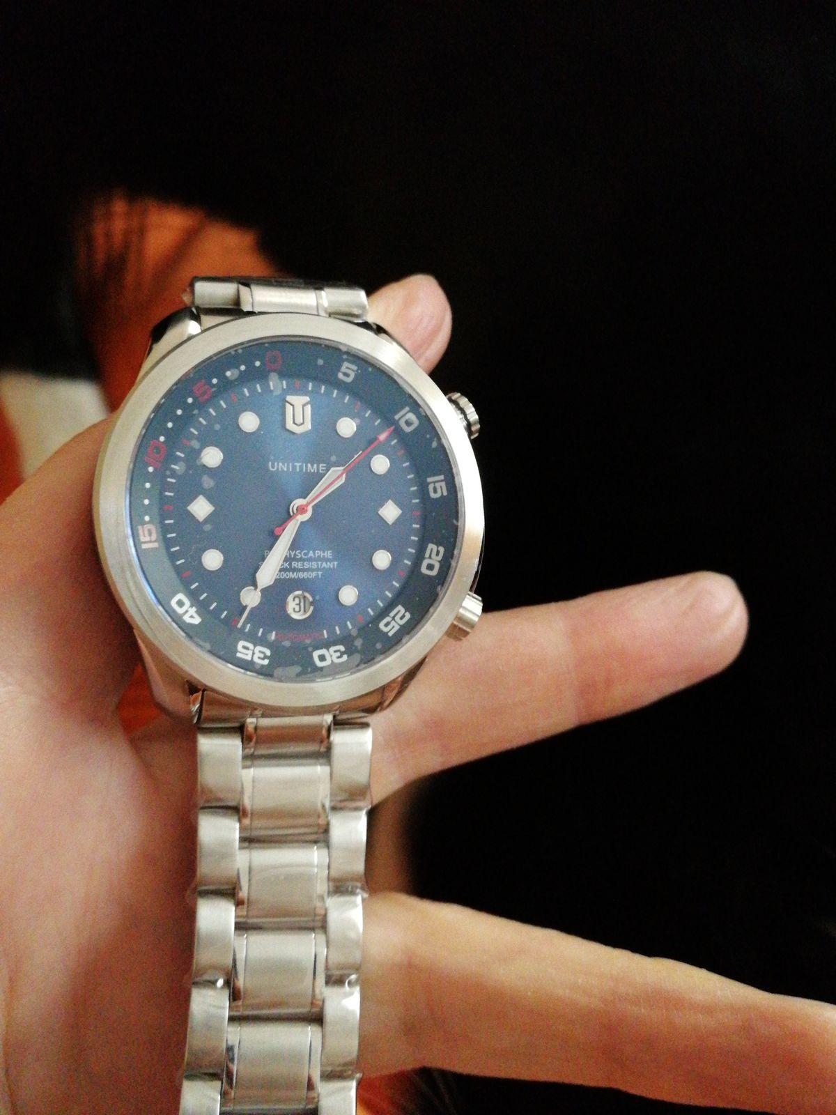 Стильные, дорогие часы