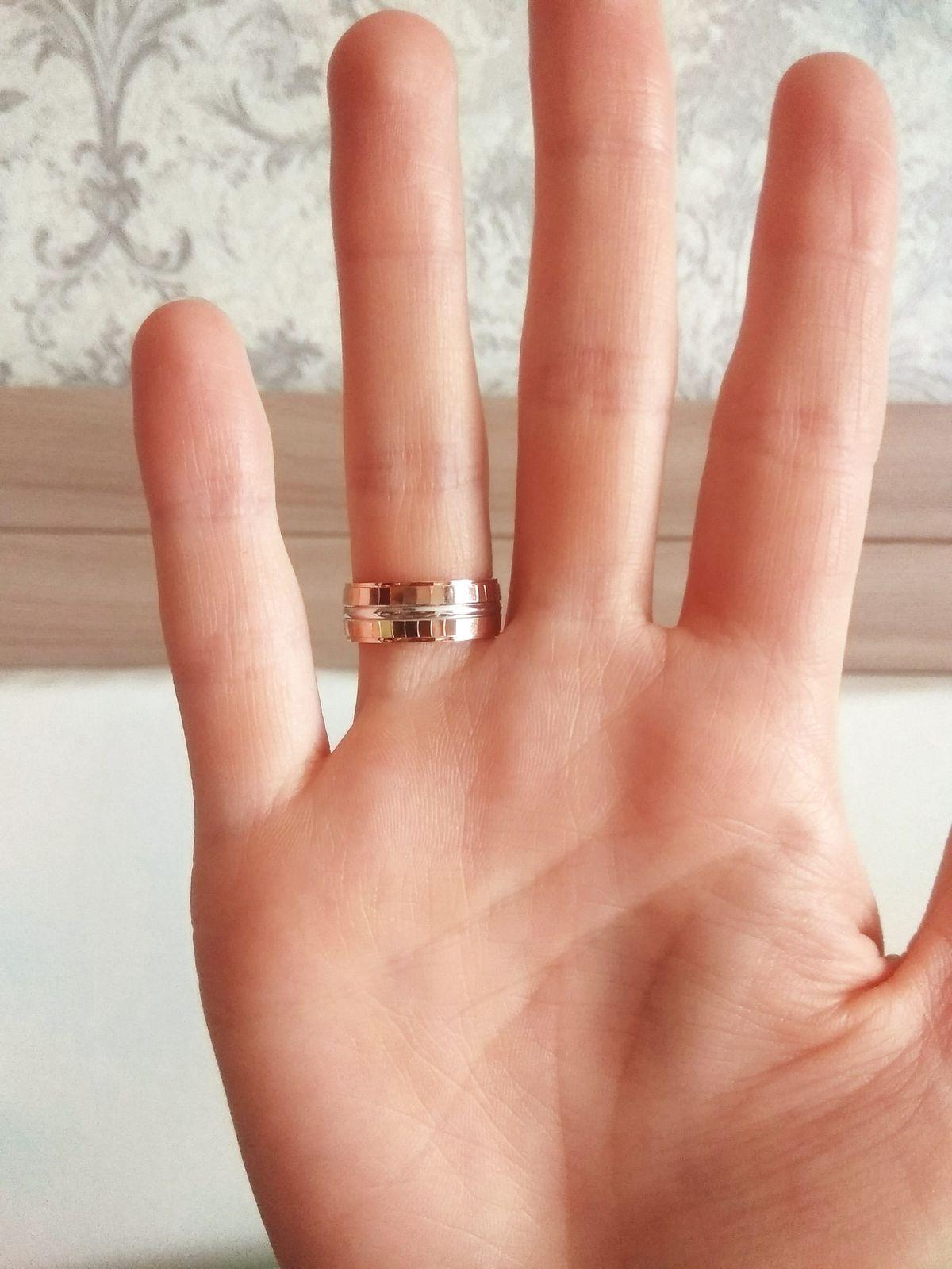 Красивое обручальное кольцо, на которое стоит обратить внимание