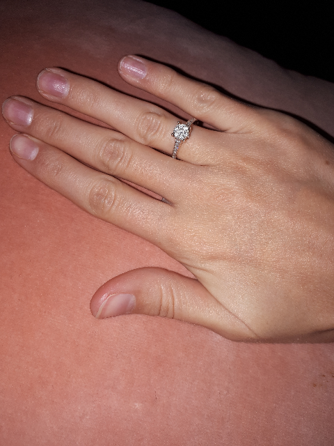 Очень красивое кольцо.