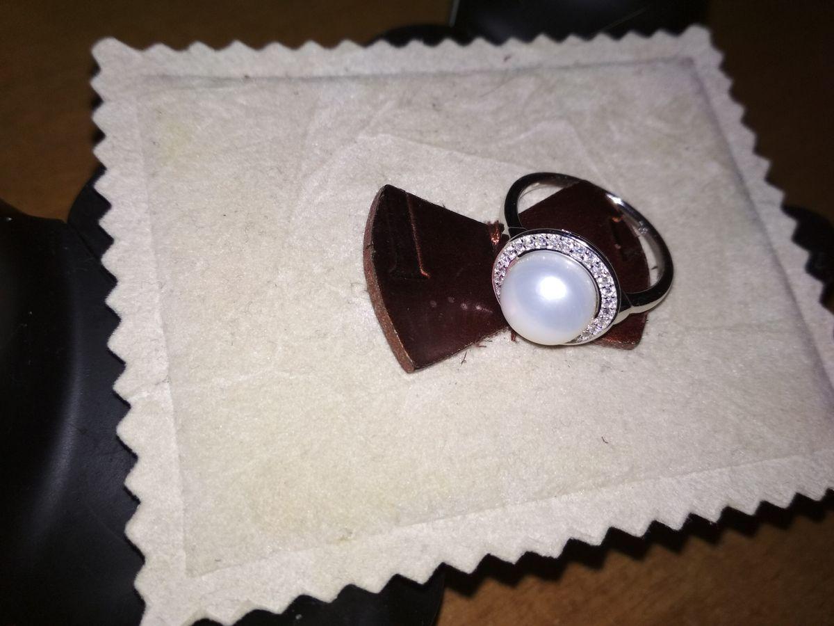 Нарядное кольцо, хотела с жемчугом.