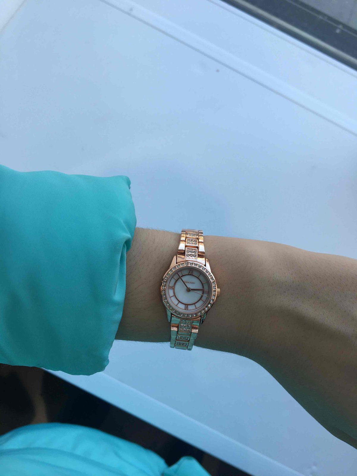 Миниатюрные и красивые часы