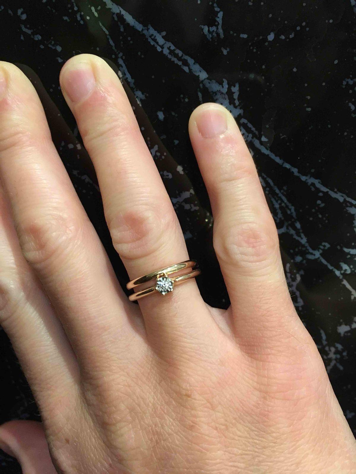 Тонкое аккуратное кольцо