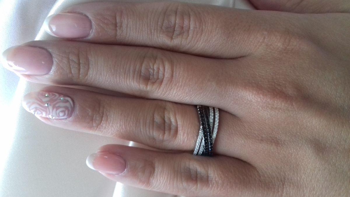 Элегантное кольцо с черными и прозрачными фиантами💍