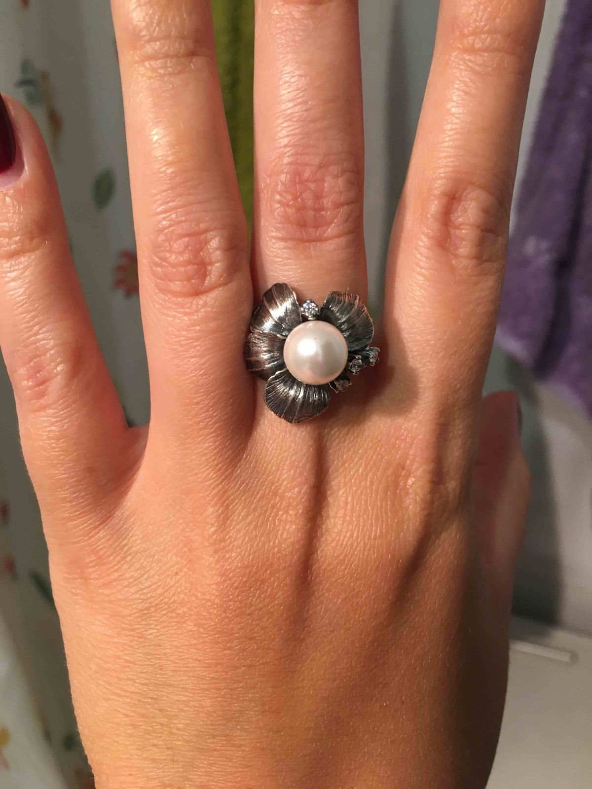 Нежное и женственное кольцо