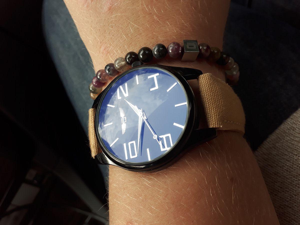 Стильный и красивый браслет.