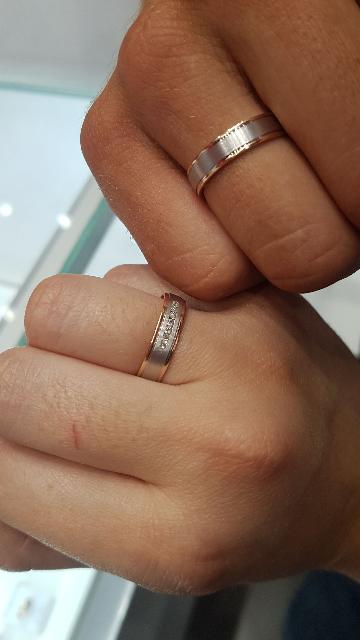 Муж и нашел эти кольца)