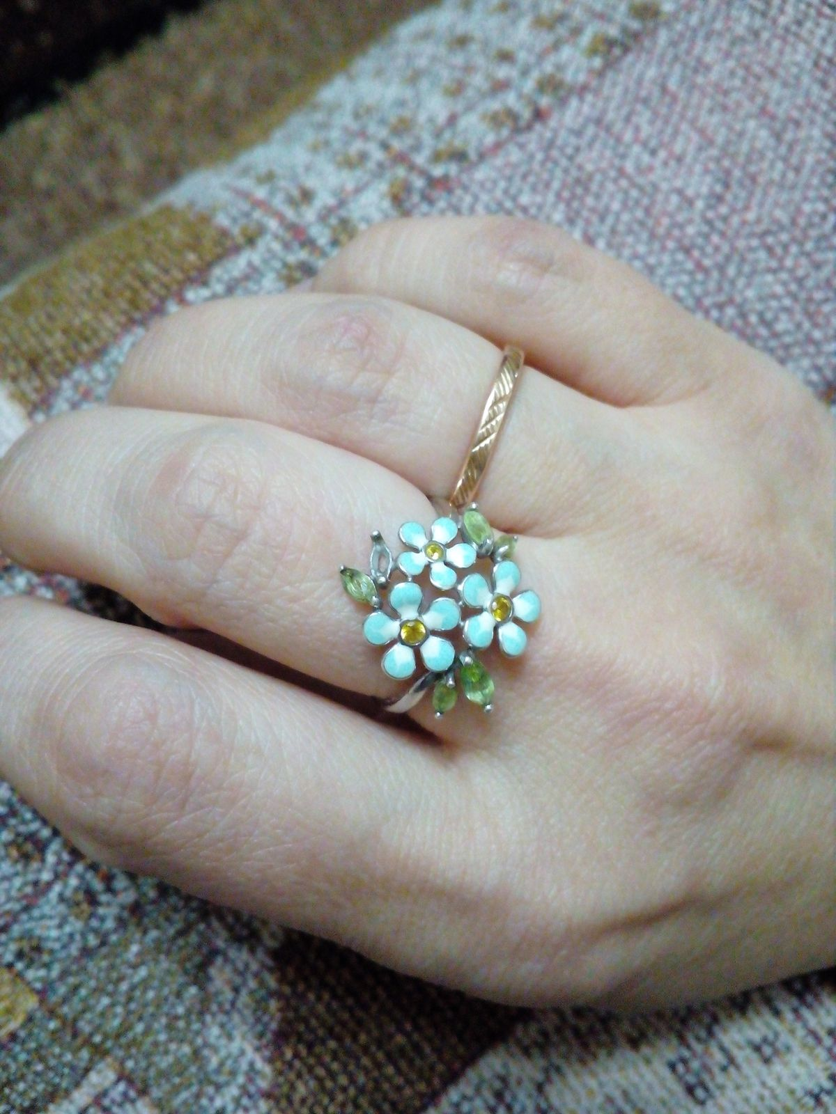 Некачественно выполнено кольцо.