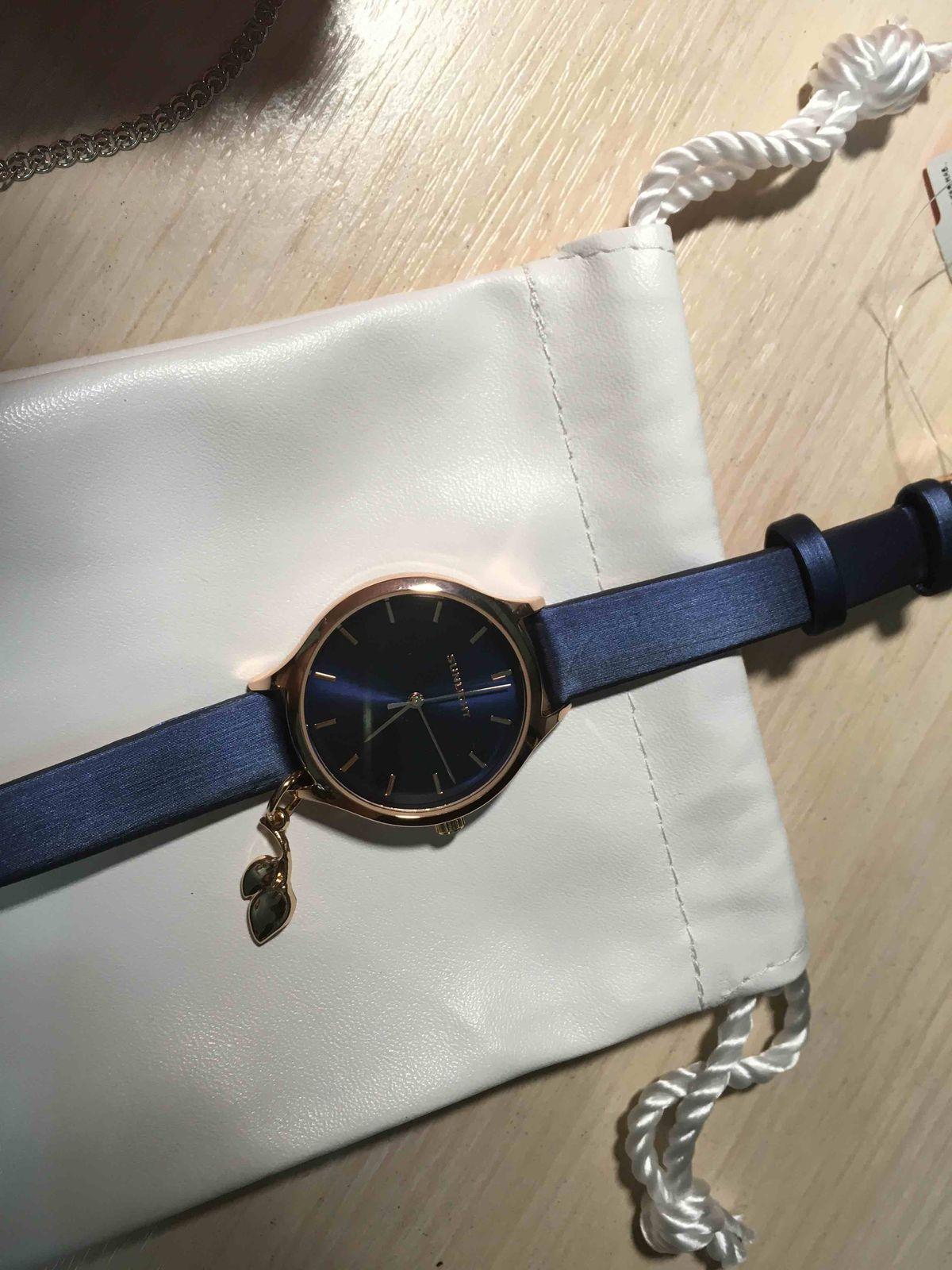 Часы-дополнение к стилю