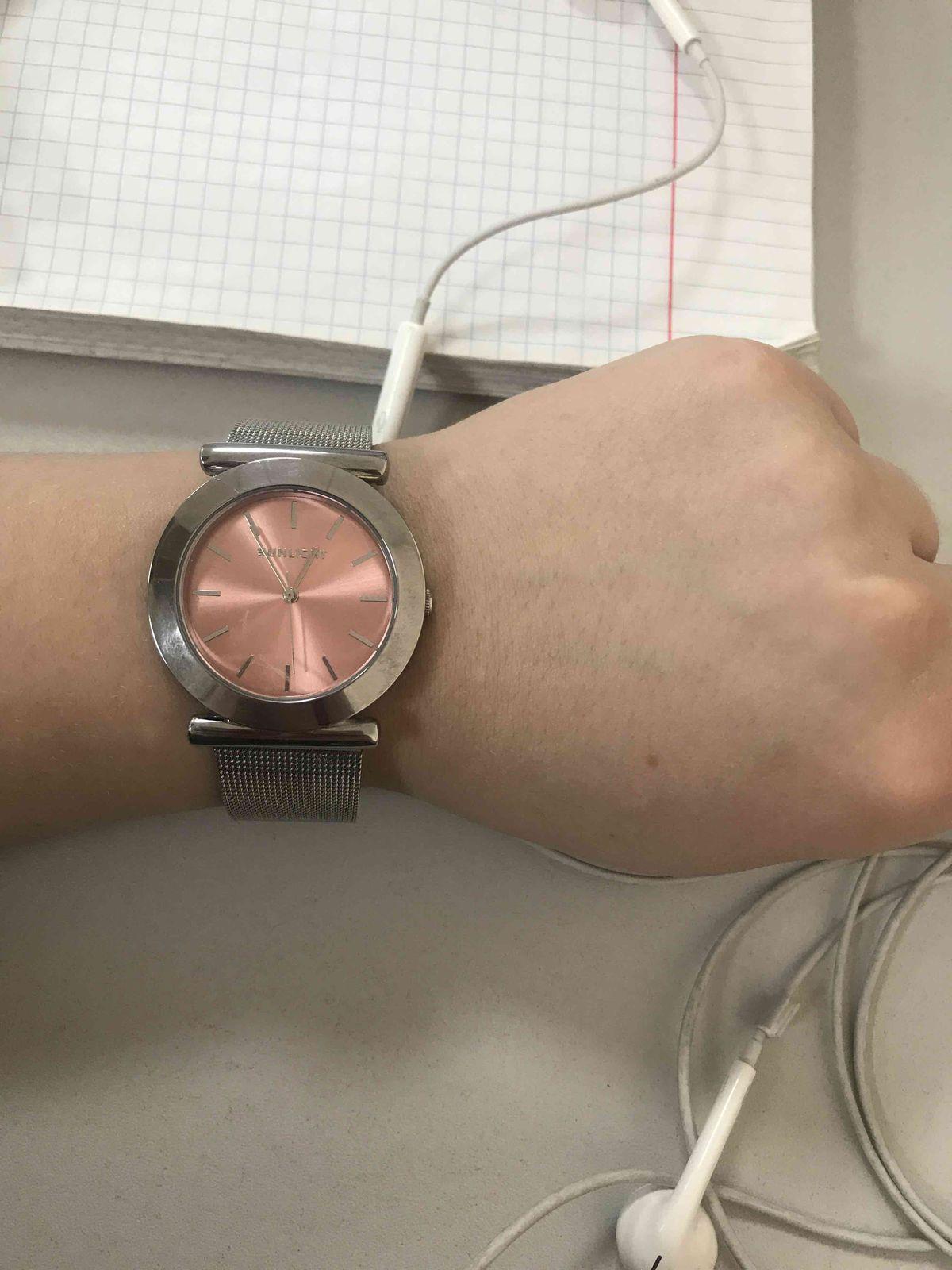 Купила часы и не нарадуюсь