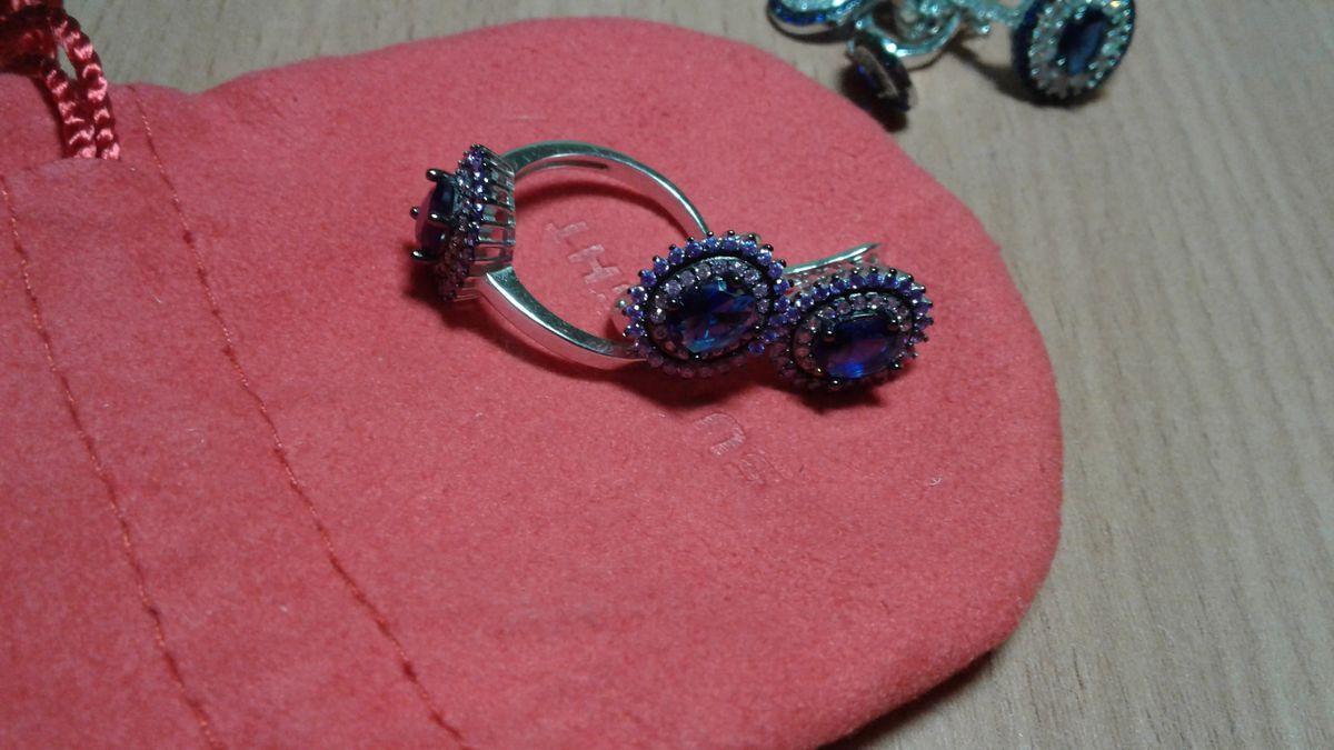 Комплект сережек и кольца для новогоднего праздника. Одену с бархатом.