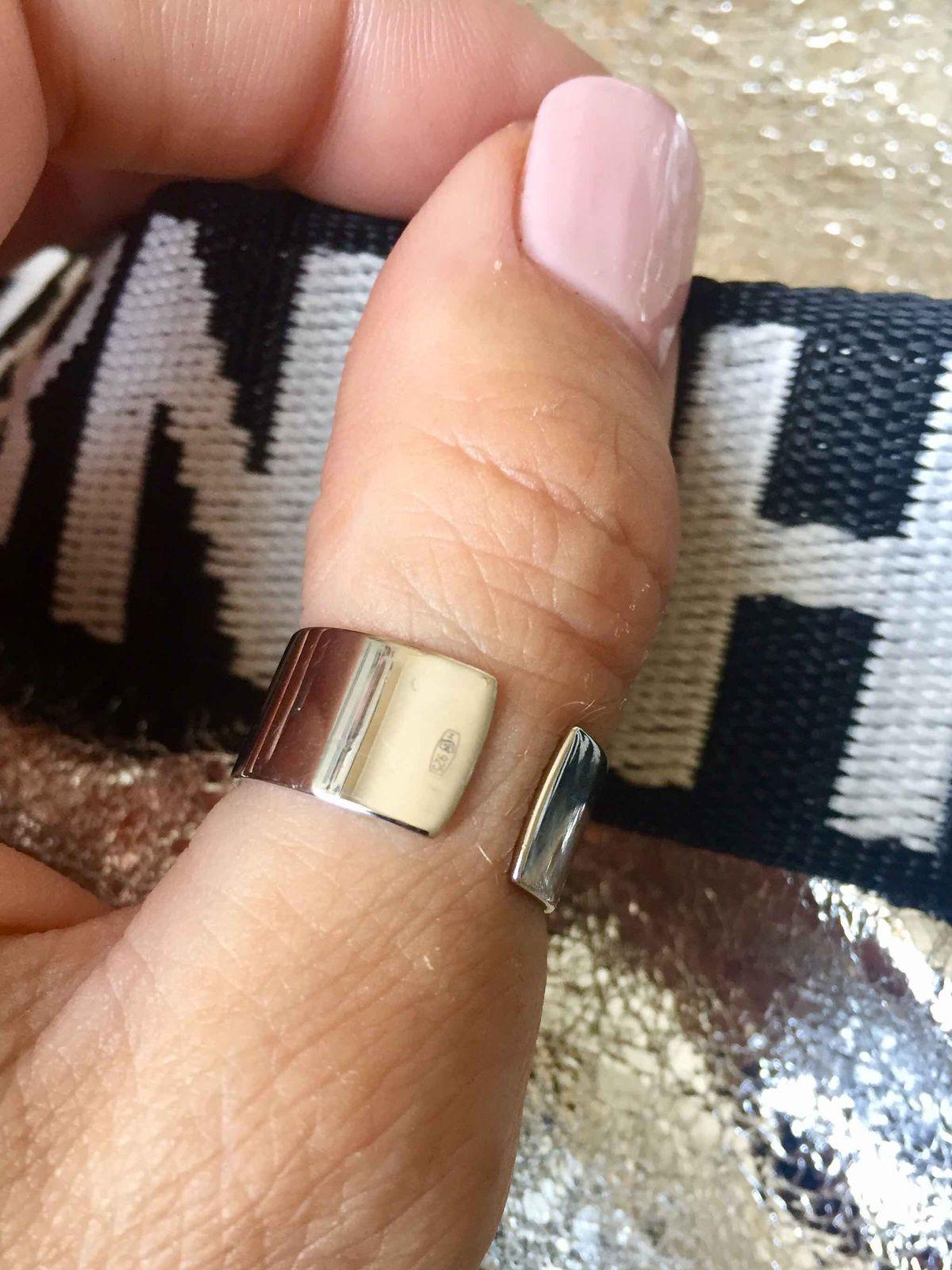 Супермодное кольцо 925*