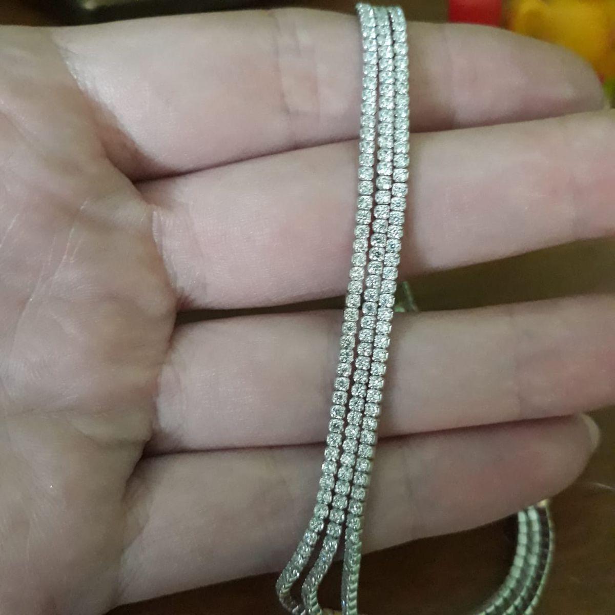 Браслет из трех нитей