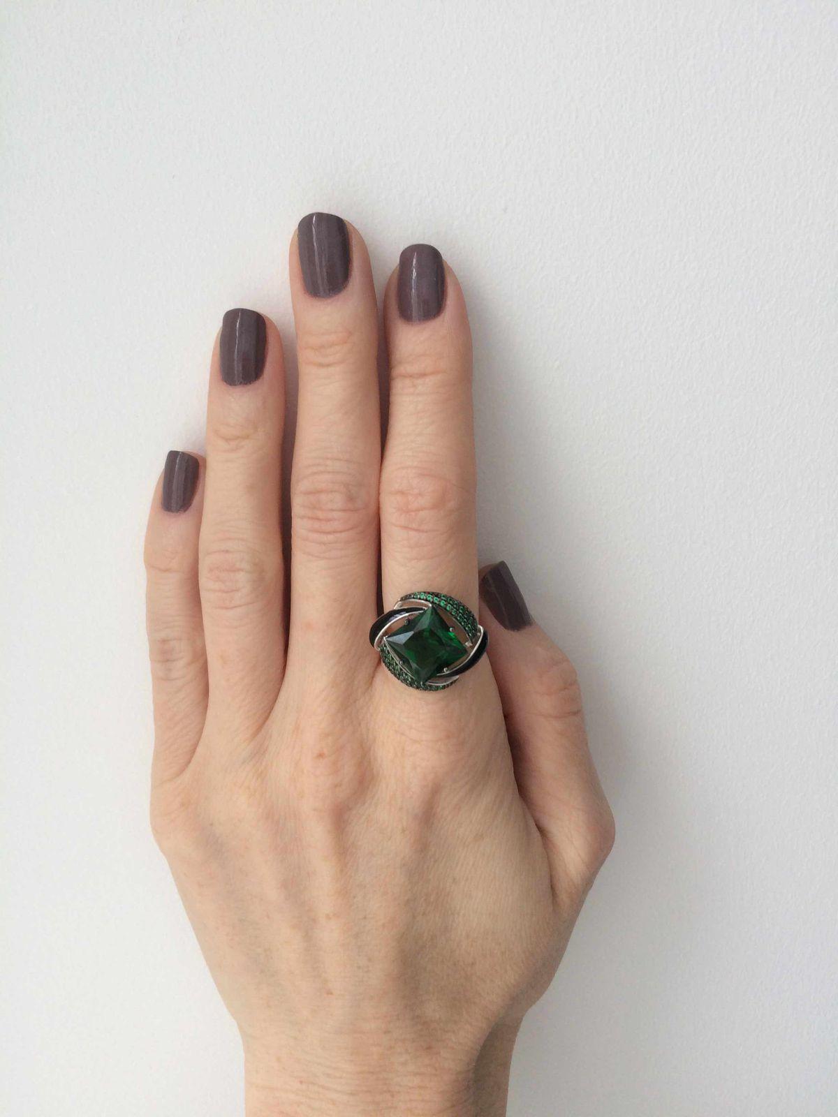 Глубокий зеленый цвет!