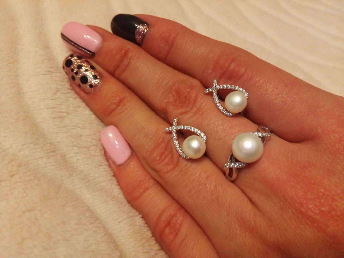 Дополнила серьги с жемчугом кольцом из Санлайт
