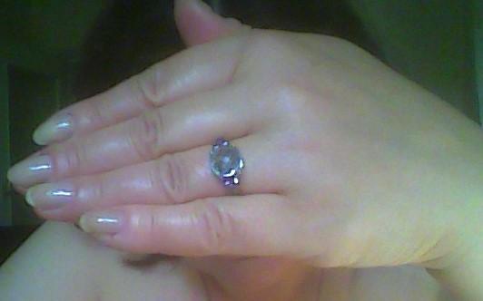 Чудесной работы кольцо .