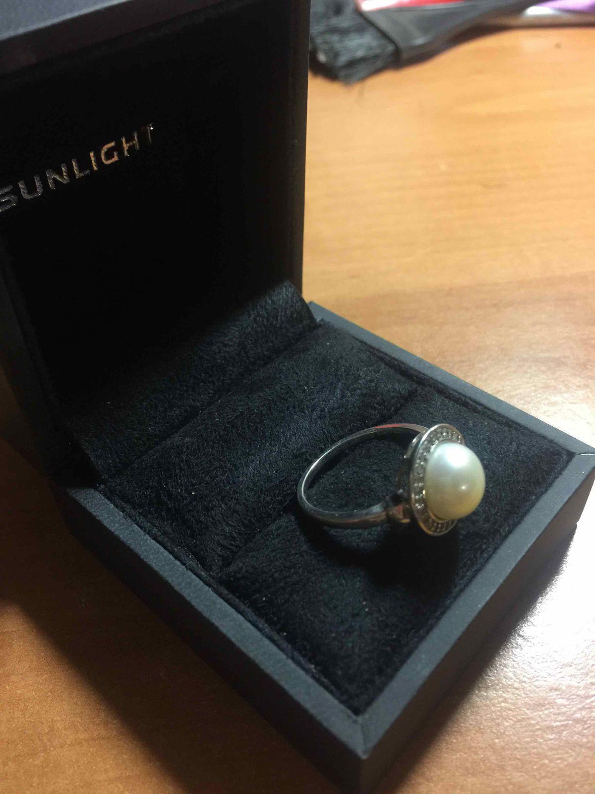 Серебряное кольцо с фианитами и жемчугом!