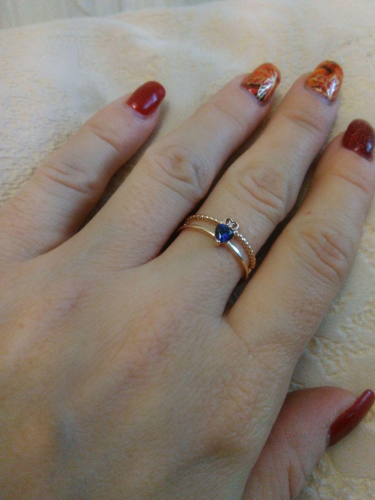 Кольцо с бриллиантом и сапфиром