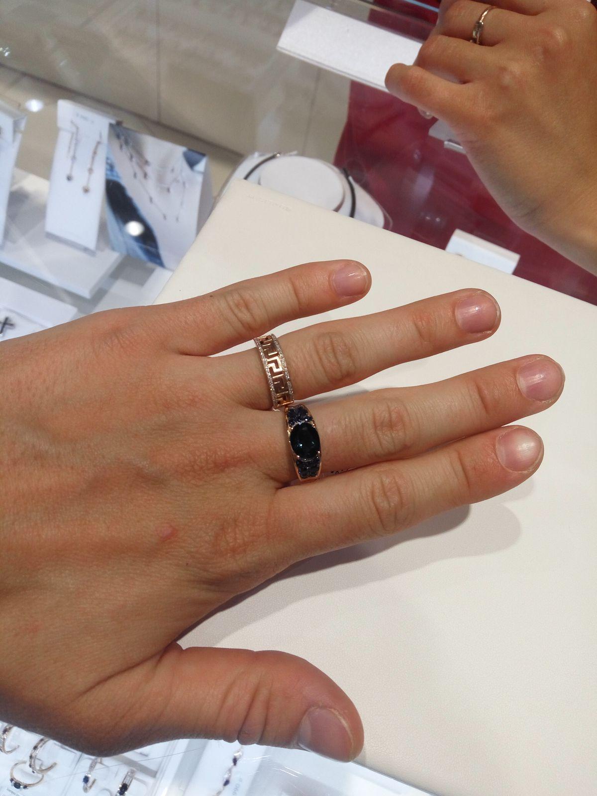 Кольцо и серьги с топазом, бриллиантами и сапфирами