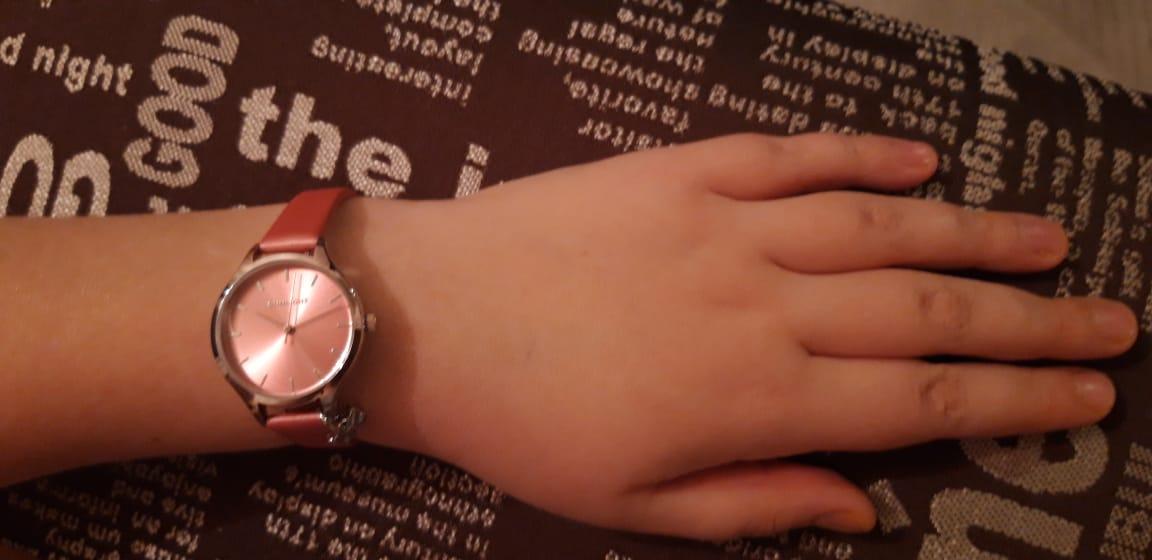 Часы детские нежно розового цвета, для юнной девочки, просто супер!