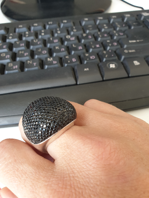 Массивное, красивое кольцо