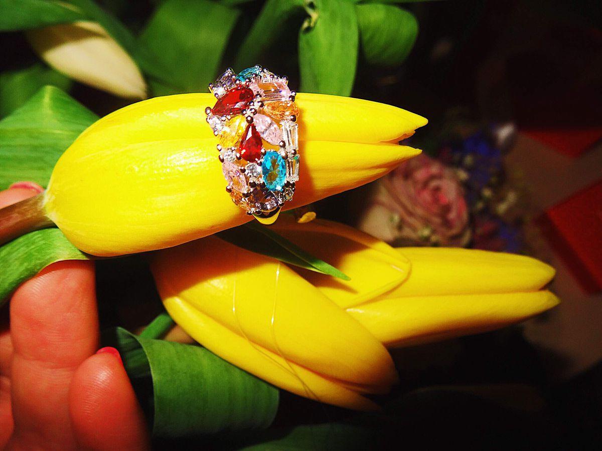 Яркое весеннее кольцо .